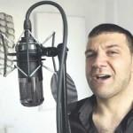 Konuşmasını Türkçe Rap Yaparak Çözdü